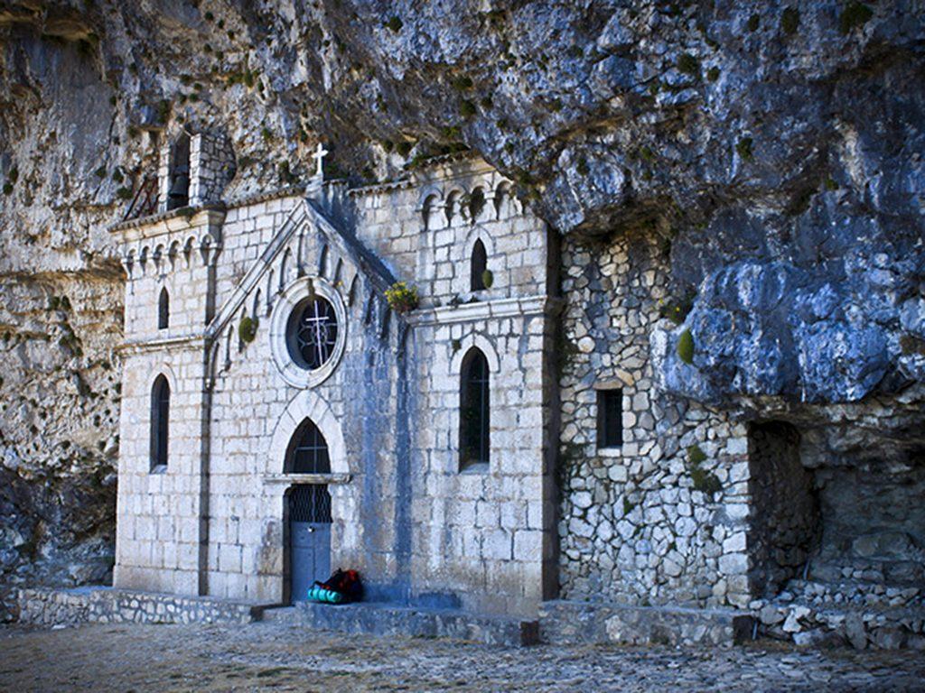 Chiesa ed Eremo di S Michele Arcangelo di S Severino