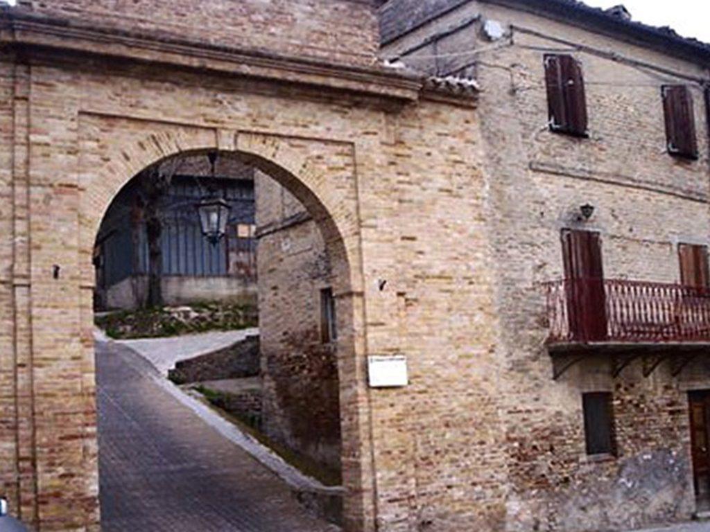 Porta Medioevale Montelupone