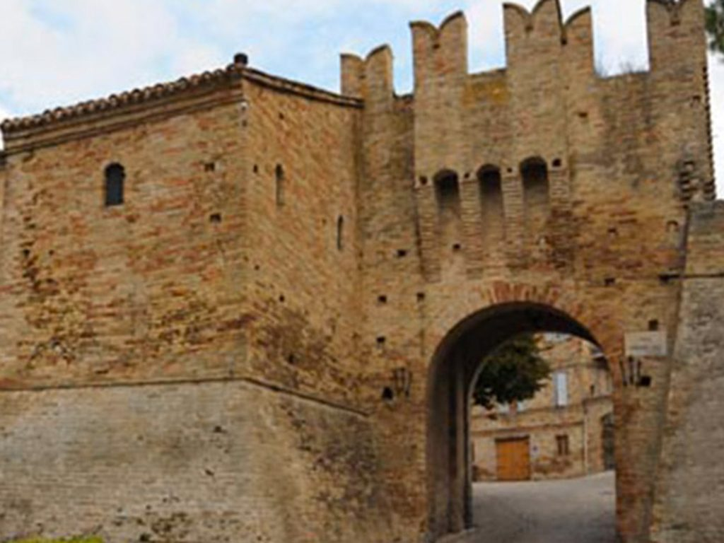 Porta C Battisti Montecassiano