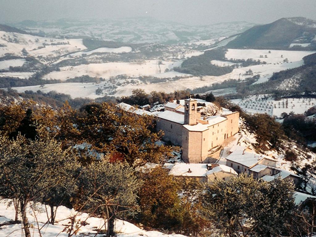Castello di Croce Caldarola