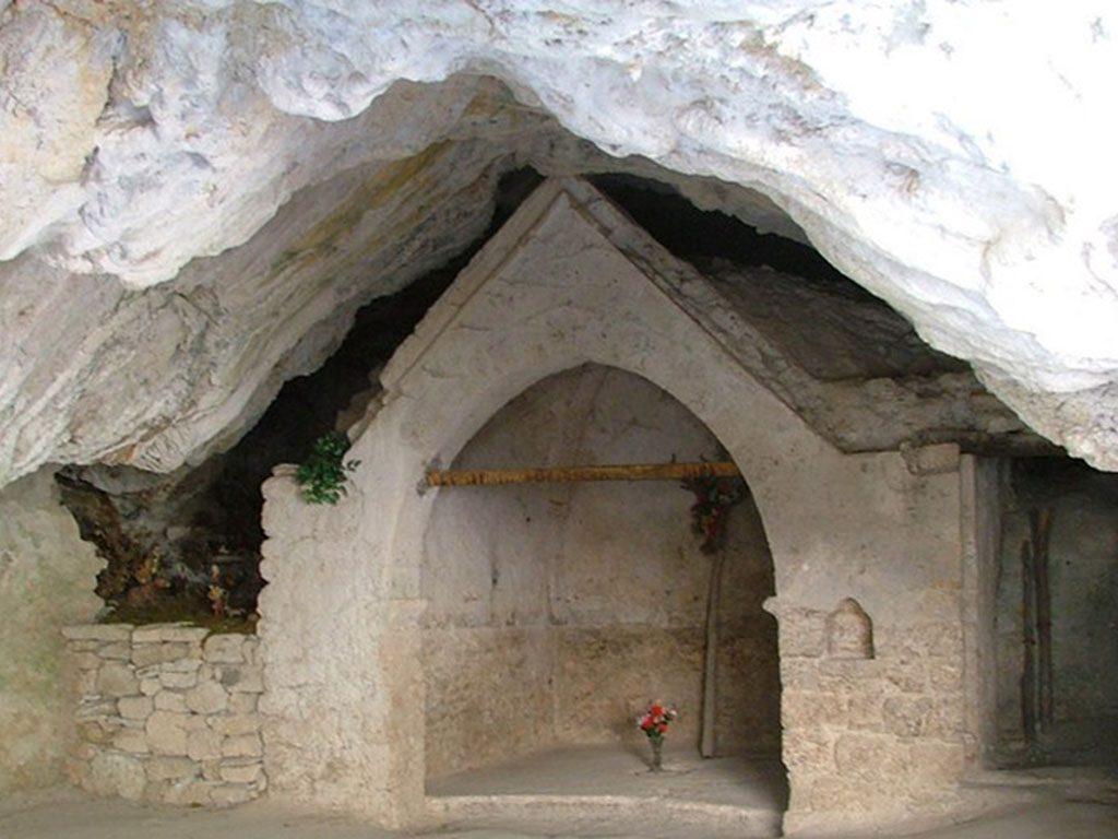 Grotta Frati Fiastra