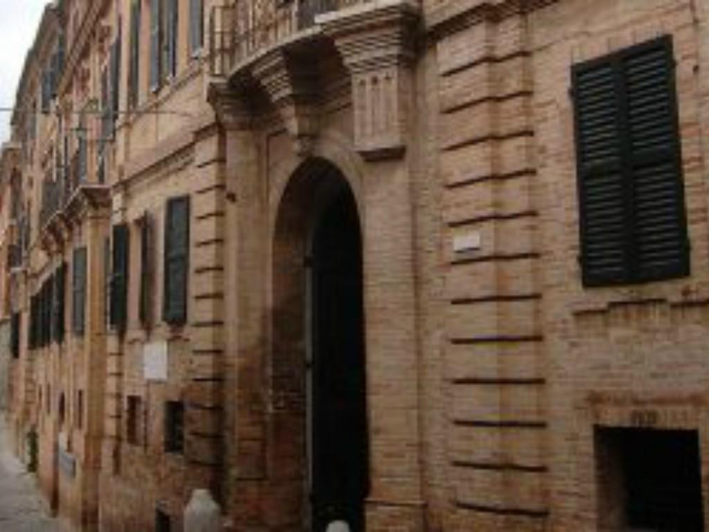 palazzo_giacomo_leopardi