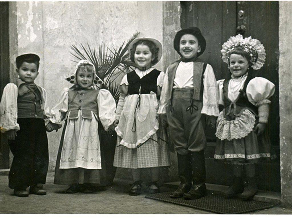 Costumi