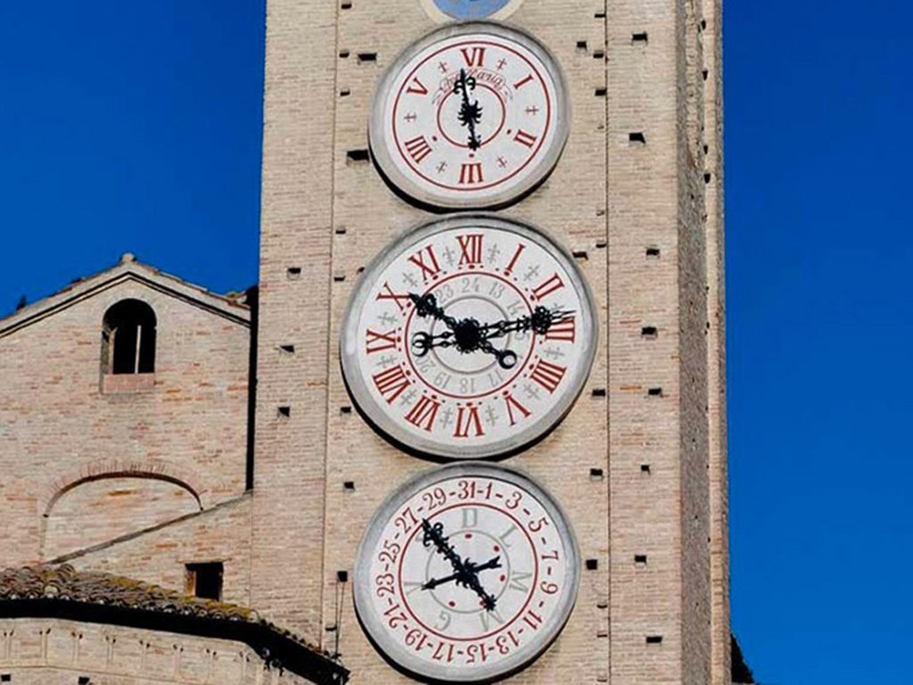Torre orologio tolentino